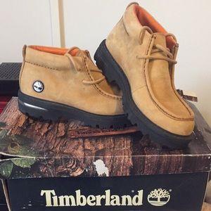 Timberland men's lea bush chukkalotus